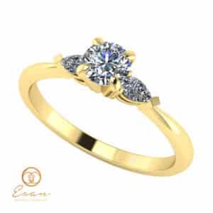 Inel de logodna din aur cu diamant si diamante lacrima