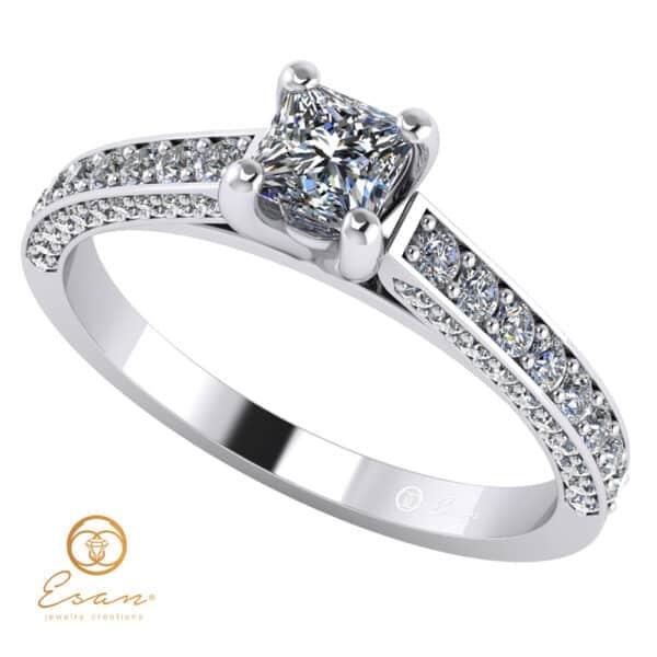 Inel de logodna din aur cu diamant patrat si diamante ES135
