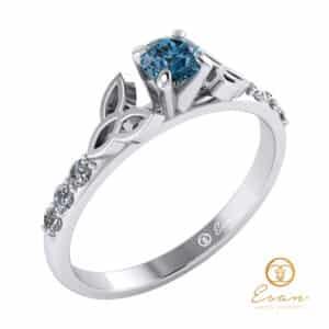 inel de logodna side stones din aur cu diamant albastru ES103-A