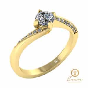 inel de logodna side stones din aur cu diamante