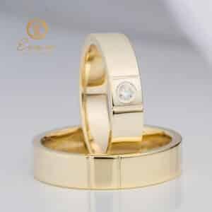din aur galben cu diamant