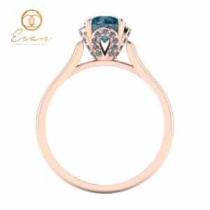 Inel de logodna din aur roz cu diamant albastru si diamante ES152
