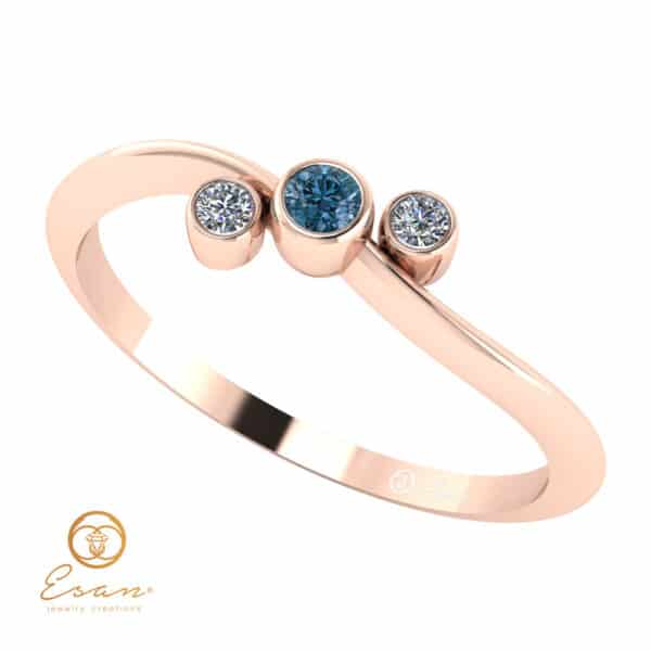 Inel de logodna din aur cu diamant albastru si diamante incolore ES81