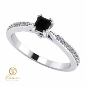 Inel din aur side stones cu diamant negru patrat si diamante incolore ES99